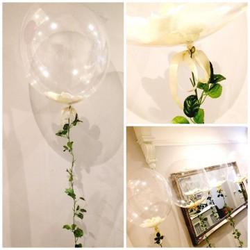 Bubble шар 61см. с лепестками на цветочной гирлянде